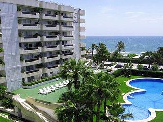 Apartamento en complejo de lujo con piscinas,párquing...