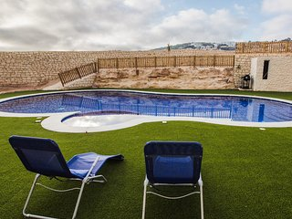 Maisonette with communal pool