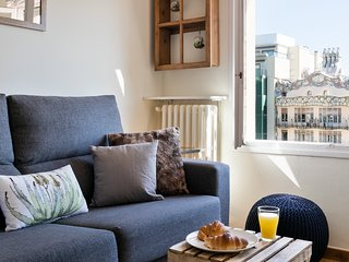 BARCELONA | NICE FLAT WITH GAUDI CASA BATLLO VIEW|