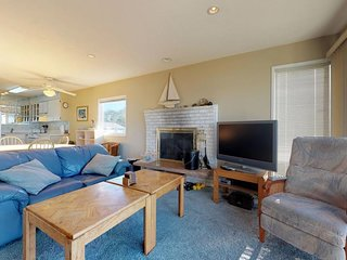 Dog-friendly oceanfront condo with amazing ocean views - walk to the beach!
