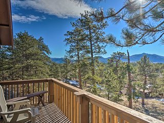 NEW! Estes Park Cabin - 5 Min. to Downtown + RMNP!
