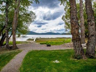 Modern Whitefish Lake Waterfront 3 Bedroom Condo