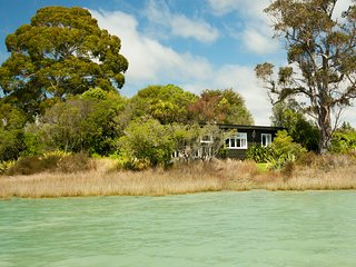 Miro Cottage at Matahua Cottages, Mapua-Nelson