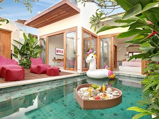 1 Bedroom Private Pool Villa with Rooftop & Netflix