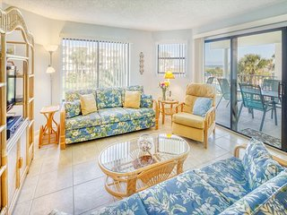 Ocean View Condo Overlooking Pool at Colony Reef Club - 1208