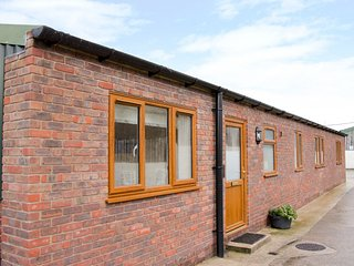 TEGGS FARM, Pet-friendly, detached property, in Halfway House