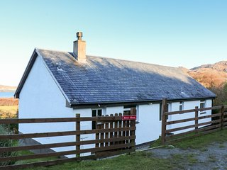 BORVE HOUSE, WiFi, coastal views, near Kilchoan
