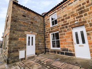HAZEL COTTAGE, Smart TV, character, Castleton