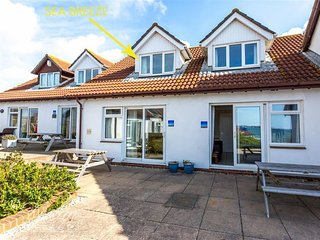 SEA BREEZE, sleeps 4, sea front lcoation, , Sea views, Weymouth