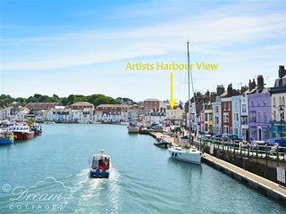 ARTIST'S HARBOUR VIEW, sleeps 2, harbour views, central harbour location, close