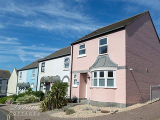 MERMAID HOUSE, Close to harbour, Dog Friendly, Wifi, Weymouth