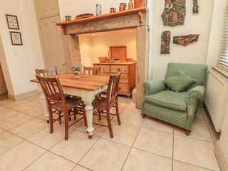 ST ELMO'S APARTMENT, central location, elegant interior, in Alnmouth