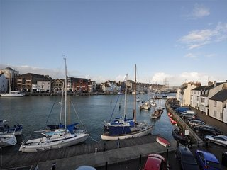 MUTINY HOUSE, harbourside, harbour views, sleeps 7, WiFI, Weymouth