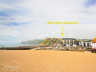 WEST BAY APARTMENT, sleeps 4, Sea front location, Sea views, Balcony, West Bay