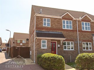 CHESIL WALK, sleeps 5, parking, close to chesil beach, pet friendly, Weymouth,
