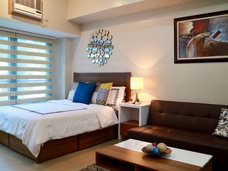 Bright & Relaxing Condo w/ Netflix & Superspeed WiFi