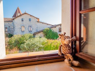 Chateau de Gurat - Mas Provencal, 2 bedrooms | beautiful grounds | heated pools