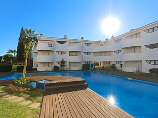 Palmeiras do Golfe, CD 160 | pool | 2 beds | wifi| free parking