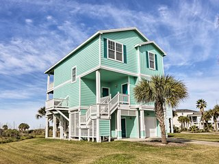 Galveston Resort Home-Deck & Stunning Beach Views!