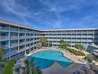 NEW-Oceanside Hilton Head Condo w/Resort Amenities