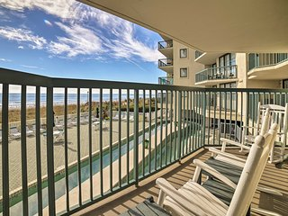 NEW! N. Myrtle Beach Condo w/Pool Access & Balcony