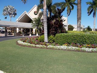 Lovely gated golf and tennis community close to Sanibel  and Fort Myers beaches