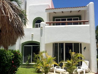 VILLA LOCATED IN AN EXCLUSIVE AREA OF PLAYA DEL CARMEN, PLAYACAR PHASE II