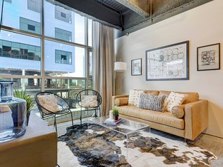 Stayloom's High-End 6th Street Loft | Downtown