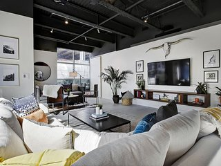 Stayloom's Hip Designer Loft | E 6th Street