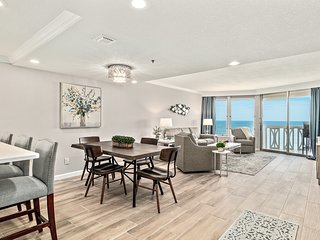 NEW! Ocean Front Luxury 2 Bed, 2 Bath Condo