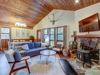 Remodeled home w/wood stove, on ski shuttle route between 2 ski mountains!