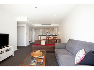 Bright, modern one-bedroom in ideal location