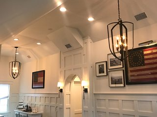 Luxury Apartment in Historic Hillsboro Village Home