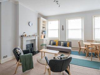 2 Bedroom Apartment in Earls Court