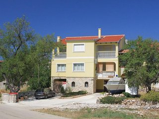 Three bedroom apartment Sali (Dugi otok) (A-8112-a)