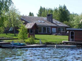 Lakeside Cedar Chalet