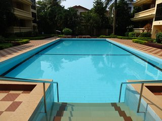 18) Spacious 2 Bedroom Apartment Regal Palms, Candolim with WiFi