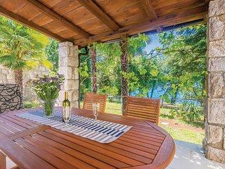 5 bedroom Villa in Njivice, Primorsko-Goranska Zupanija, Croatia : ref 5708017