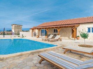 4 bedroom Villa in Pecina, Zadarska Zupanija, Croatia - 5708132