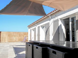 4 bedroom Villa in Saint-Didier, Provence-Alpes-Côte d'Azur, France : ref 570477
