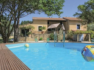 4 bedroom Villa in Saint-Paul-Trois-Chateaux, France - 5708054