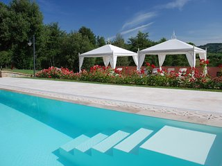 Ciggiano Villa Sleeps 33 with Pool Air Con and WiFi - 5704633