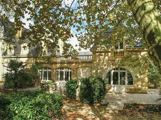 4 bedroom Villa in Saint-Laurent-des-Vignes, France - 5708098