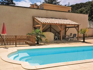 6 bedroom Villa in Bagnols-sur-Ceze, Occitania, France : ref 5708111