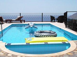 Aretousa, jolie vue et village authentique,piscine privée, vue sur la mer