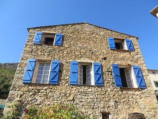 Ile-Rousse, Calvi, grand gîte de caractere en maison de vacances pour 8 pers