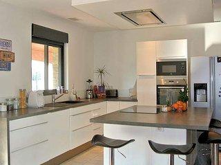 Villa Plage - 4 bed Marseillan Plage beach house South France