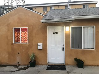 Modern 2 Bedroom Home in Burbank