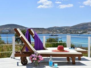 Kolymbithres beachfront villa,great Naousa views