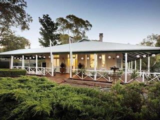 Le Studio: Luxury Studio & day spa in the heart of the Perth Hills.